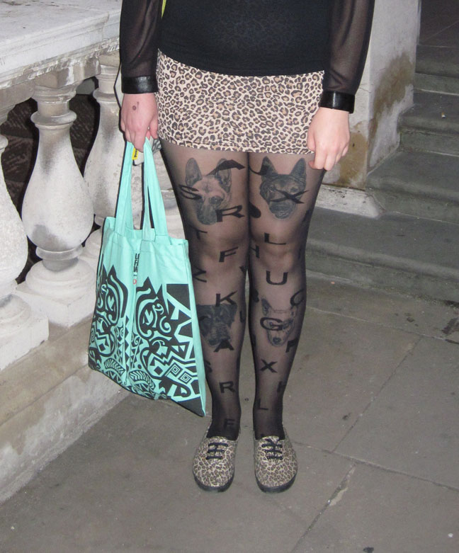 SEPT-30-CROP-CAT-TIGHTS